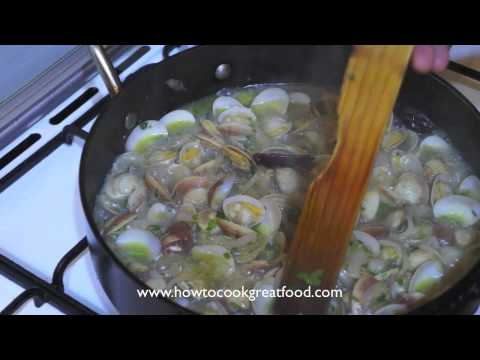 Spaghetti Vongole recipe how to cook great food Italian clams white wine garlic