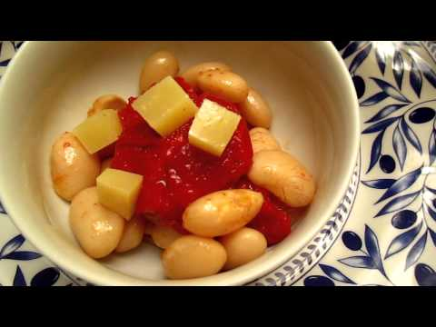 Food – oven baked tomato with giant beans