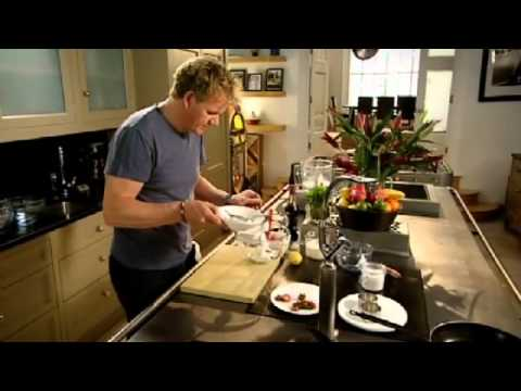 Vanilla Cheesecake with Berry Compote – Gordon Ramsay