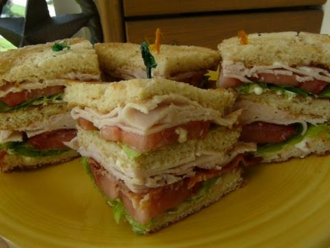 CLASSIC CLUB SANDWICH – How to make  a CLUBHOUSE SANDWICH