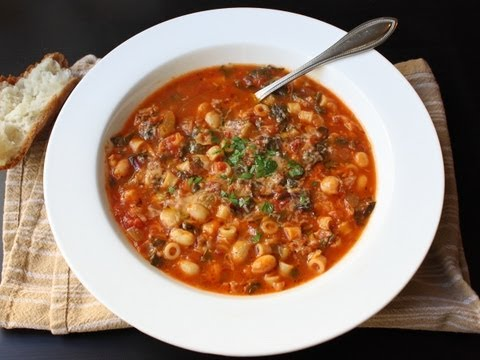 Minestrone Soup Recipe – Italian Vegetable and Pasta Soup