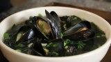 Seaweed Soup with Mussels (Honghap Miyeokguk: 홍합미역국)