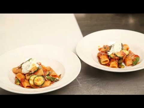 What Can I Cook My Girlfriend for a Pasta Dinner? : Pasta Dishes & More