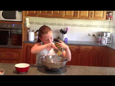 Baking for Kids! How to make cup cakes.
