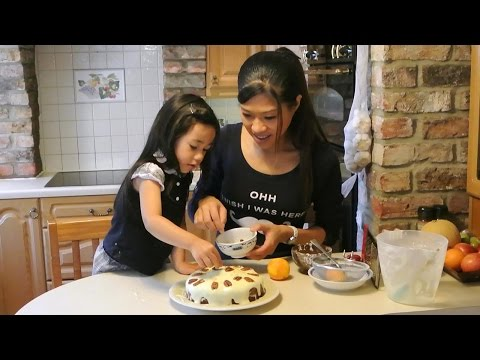 Carrot Cake with Kitty 紅蘿蔔蛋糕 home baking English cakes
