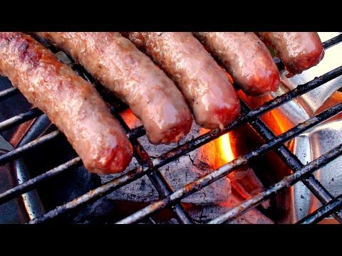 How To Build a Barbecue in less than 5 minutes – Home made barbecue – Hobo Stove – prepper barbecue