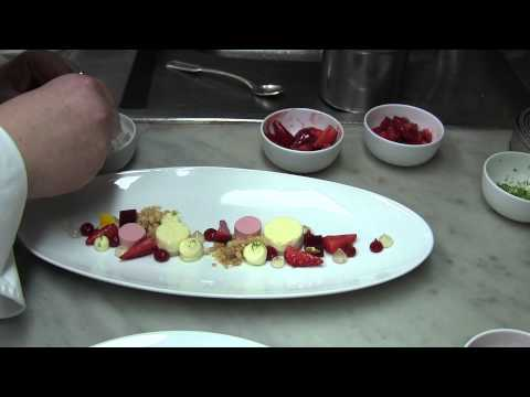 Leitner makes a dessert at 3 Michelin Bareiss