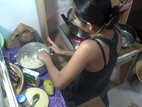 Cooking Thai Deserts With Sang – Sticky Rice With Mangos