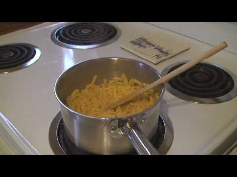 Making some good ol Kraft Dinner Hee Haw