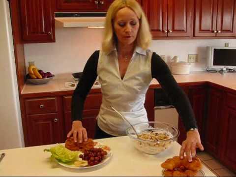 Betty's Elegant Restaurant Chicken Salad Sandwich Recipe