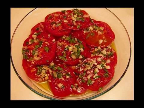 Betty's Marinated Basil-Tomato Salad Recipe