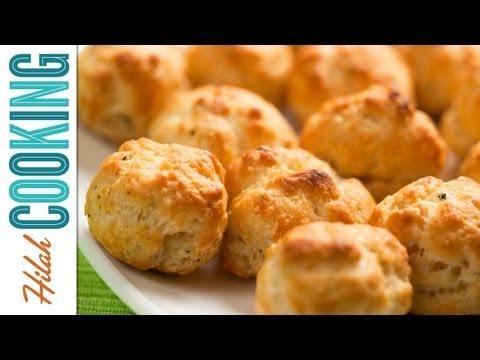 Gougères – Spicy Parmesan Cheese Puffs