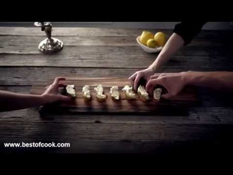 How To Cook Pear and gorgonzola crostini