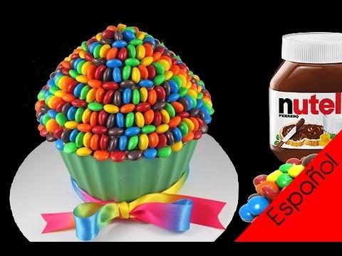 Torta-Cupcake Gigante Arcoíris de Nutella y M&Ms, con My Cupcake Addiction