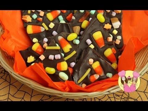 Make HALLOWEEN CANDY BARK!  Charli & Ash make chocolate candy bark (use leftovers from halloween)