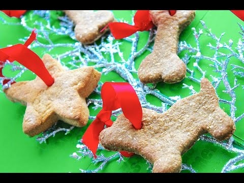 CHRISTMAS GINGERBREAD DOG COOKIES – BY MYCUPCAKEADDICTION XMAS FESTIVE TREATS  by Cooking For Dogs