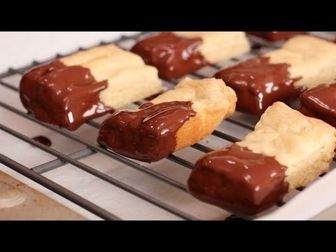 Shortbread Cookie Recipe – Laura Vitale – Laura in the Kitchen Episode 255