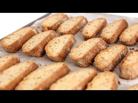 Almond Biscotti Recipe – Laura Vitale – Laura in the Kitchen Episode 557