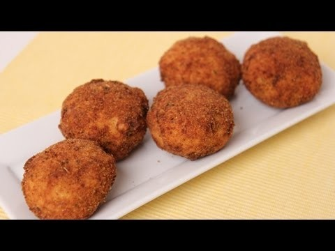 Homemade Rice Balls ( Arancini ) Recipe – Laura Vitale – Laura in the Kitchen Episode 452