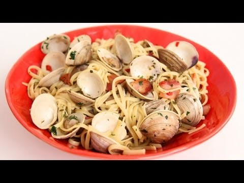 Linguine with Clams & Bacon Recipe – Laura Vitale – Laura in the Kitchen Episode 581