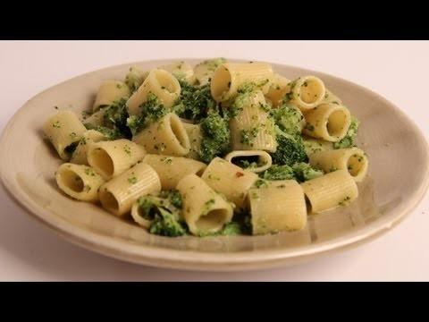 Pasta with Broccoli Recipe – Laura Vitale – Laura in the Kitchen Episode 313