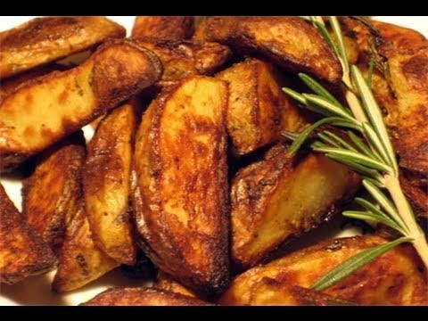"""Roasted Rosemary & Garlic Potatoes Recipe – Laura Vitale """"Laura In The Kitchen"""" Episode 26"""