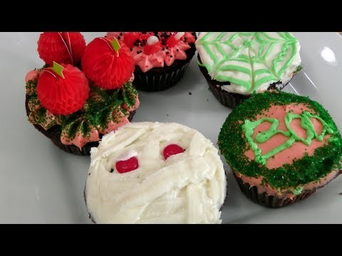 Simple Halloween Cupcake Decoration Ideas – Laura Vitale – Laura in the Kitchen Episode 223