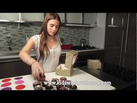 Chocolate Cupcakes with Dark Chocolate Frosting – Kids Cooking Channel