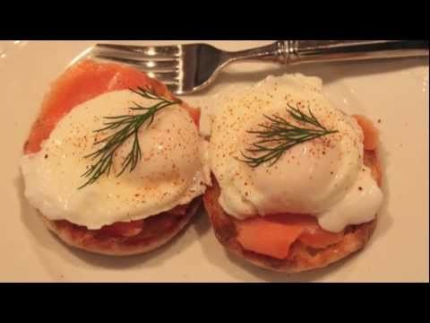 How to Poach Eggs – Poaching Eggs Demo