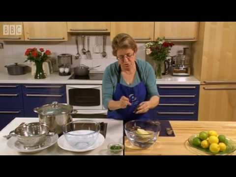 Easy recipe: How to cook moules marinieres – BBC Good Food
