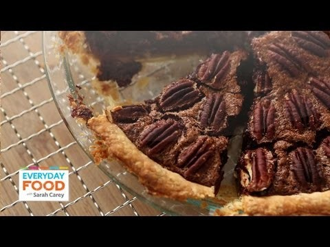 Chocolate-Pecan Pie | Thanksgiving Recipes | Everyday Food with Sarah Carey