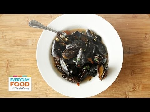 Moules Provencal – Everyday Food with Sarah Carey