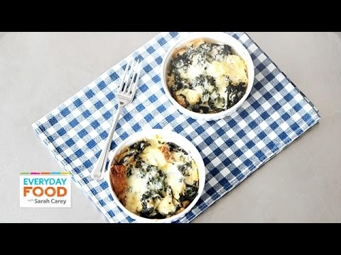 Quick-Bake Spinach and Cheddar Strata – Everyday Food with Sarah Carey