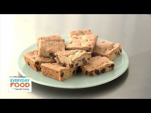 Chocolate-Chunk Cherry Blondie Recipe – Everyday Food with Sarah Carey
