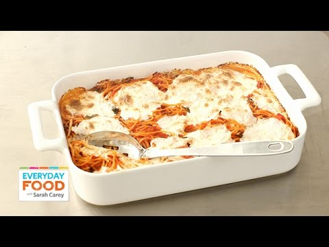 Baked spaghetti and mozzarella recipe everyday food with sarah baked spaghetti and mozzarella recipe everyday food with sarah carey foodly forumfinder Gallery