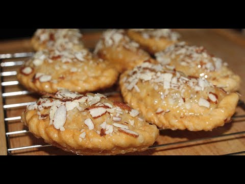 Best Gujiya/Gujhia/Chandrakala Recipe From Lovely's Kitchen