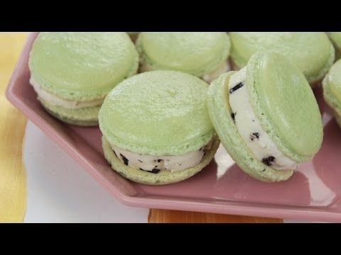 How to Make Macaron Ice Cream Sandwiches!