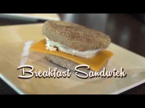 How to make a healthy breakfast sandwich