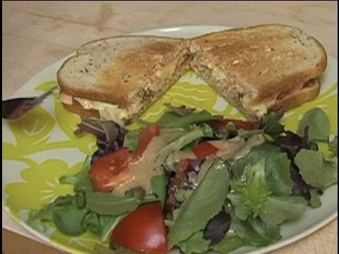 Tempeh Reuben Sandwich How-To w/ Lucy : Tamra Davis Cooking Show