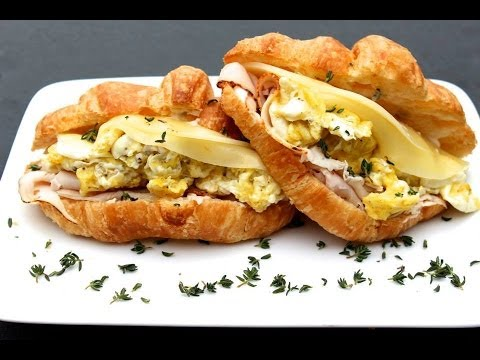 {Breakfast Recipe} Breakfast Croissant Sandwich by CookingForBimbos.com