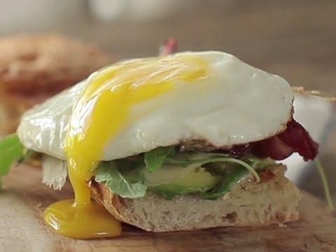 Spicy Egg & Avocado Breakfast Sandwich