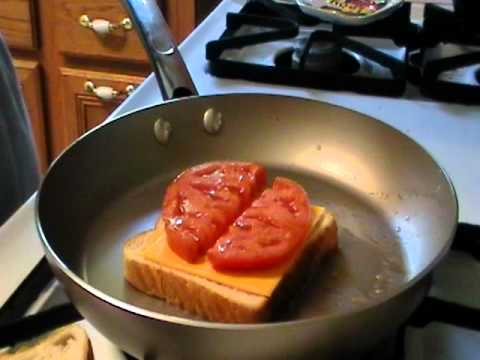 How to Make Tomato Grilled Cheese Sandwich