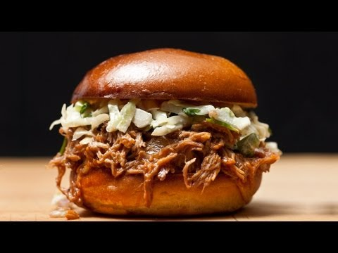 How to Make Easy Slow-Cooker Pulled Pork – The Easiest Way