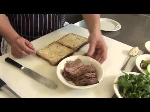 How To Make A Roast Beef Sandwich