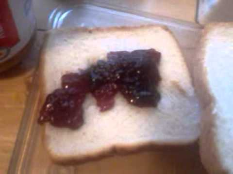 How to make a pb and j sandwich