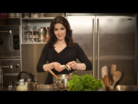 Nigella brings the spirit of Italian cooking home – Nigellissima Launch Trailer – BBC Two